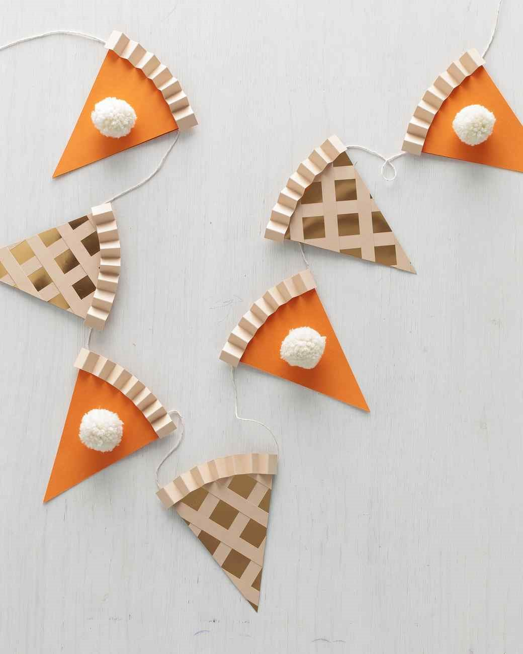 DIY cardstock pumpkin pie garland